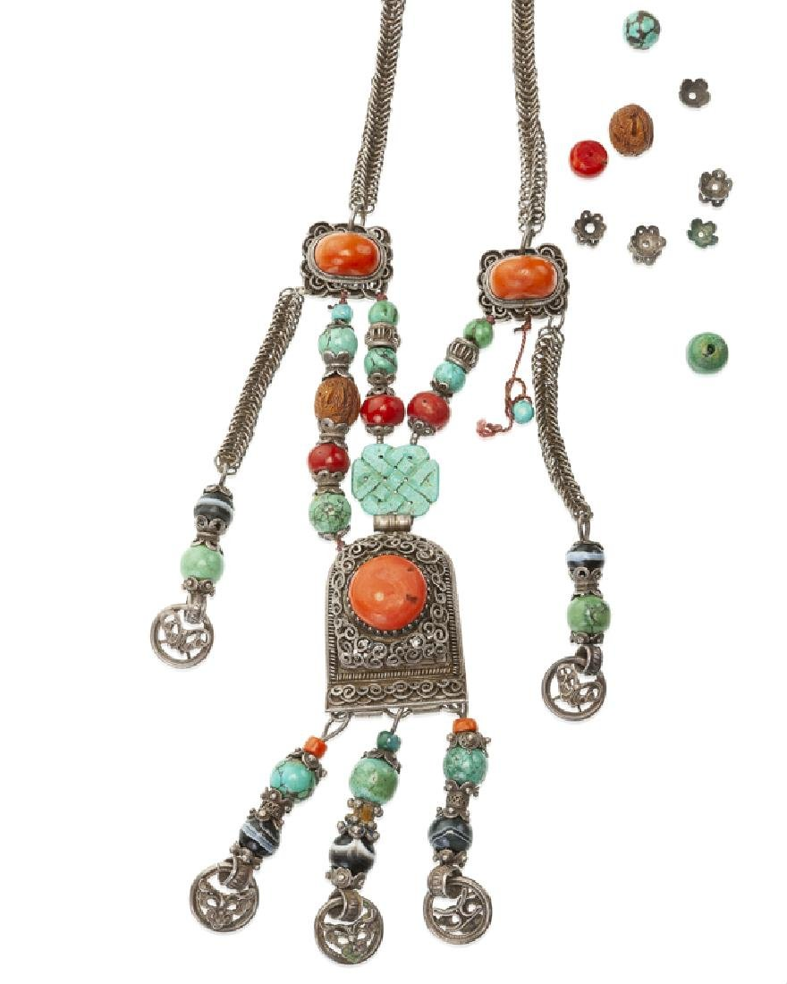 A Chinese gemstone and silver court necklace - 2