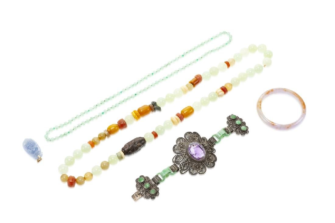 A group of Chinese jewelry