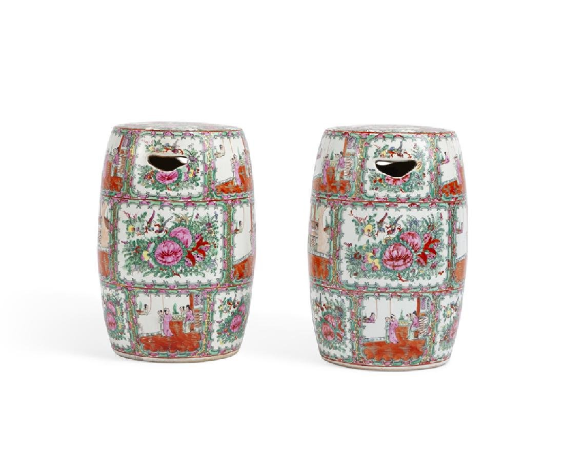 A pair of Chinese export Rose Medallion garden stools - 2