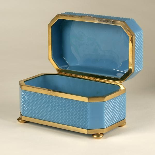 1011: A FRENCH MOUNTED BLUE OPALINE GLASS TABLE BOX