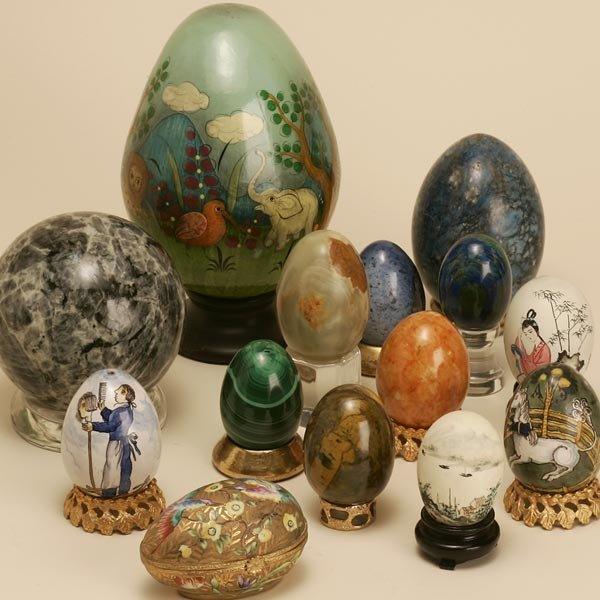 2023:  A COLLECTION OF 84 MINERAL SPECIMEN EGGS, SPHERE