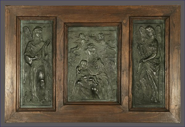 1022: A Spanish earthenware triptych, Madonna & Child