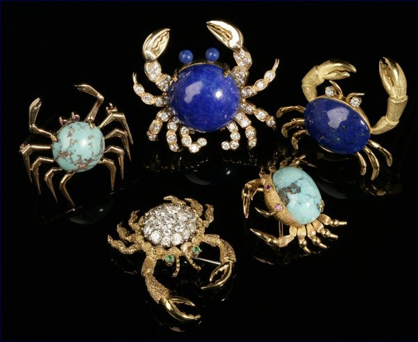 1167: A group of five gold and gemset crab brooches