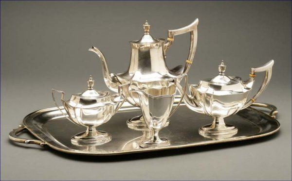 1005: A Gorham sterling 'Plymouth' coffee & tea service