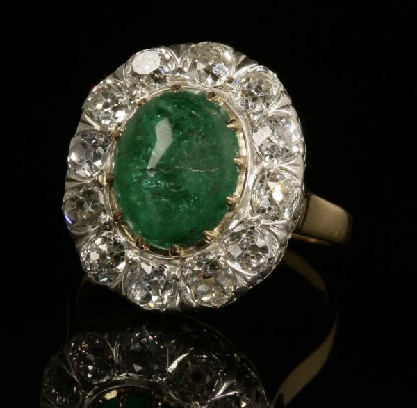2013: Emerald and diamond ring