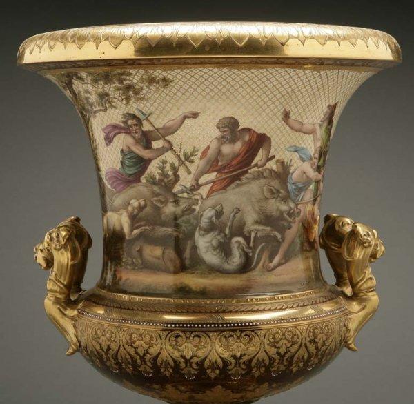 2072: A German porcelain urn Calydonian boar hunt - 2