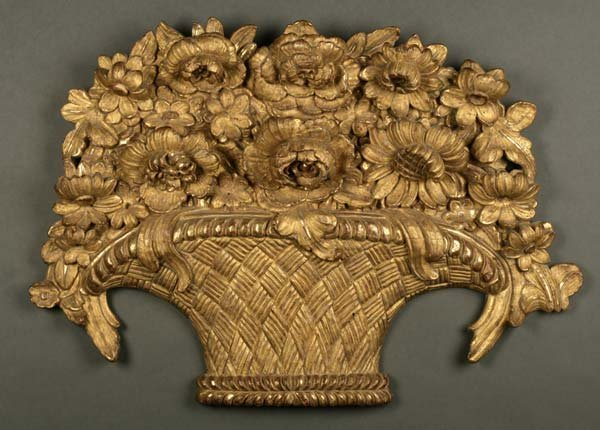1016: A Continental giltwood carving floral bouquet