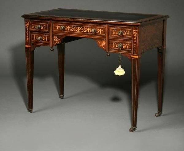 1006: A late Victorian rosewood marquetry writing desk