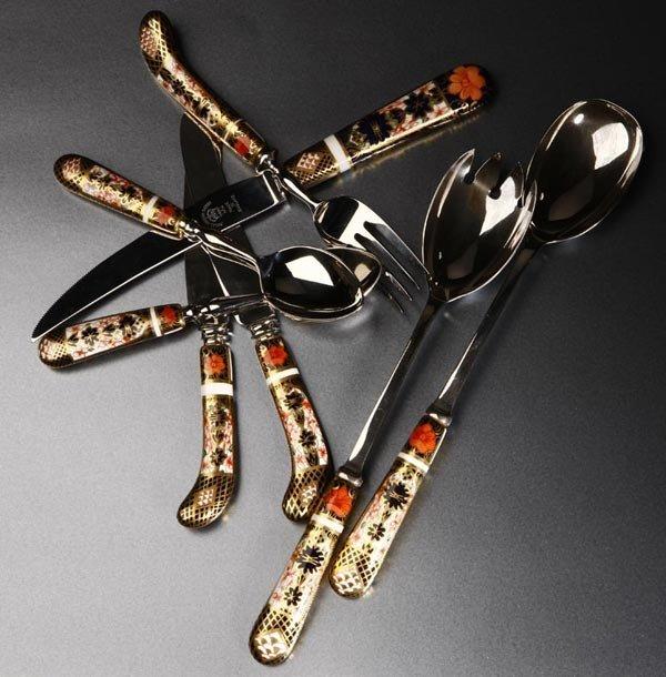 1173: A Royal Crown Derby Imari part flatware service