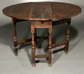2016: An English oak gate-leg drop-leaf table