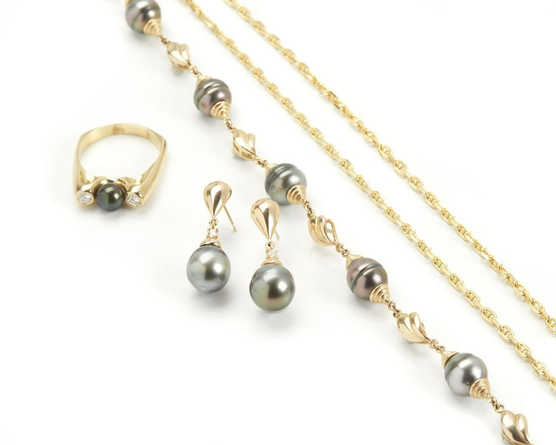 A group of Tahitian cultured pearl jewelry