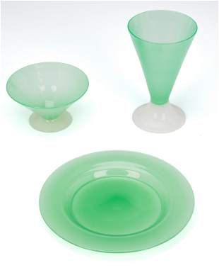 A set of Steuben jade and alabaster glass dishes