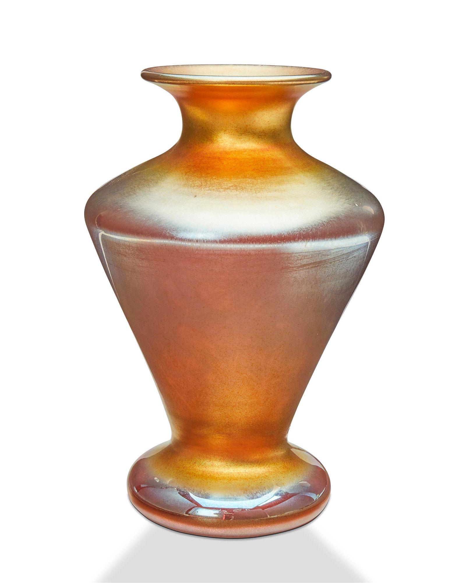 A Durand art glass vase