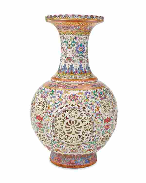 A contemporary Chinese Qianlong-style porcelain vase