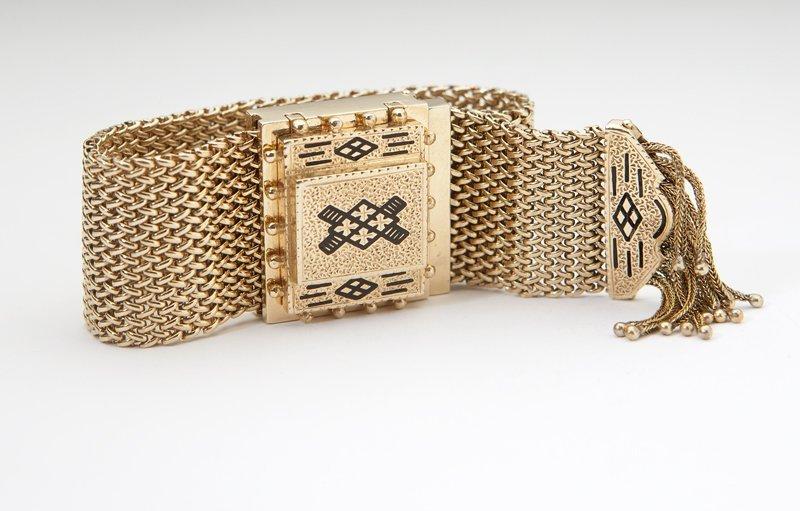 1001: A Victorian gold slide watch bracelet