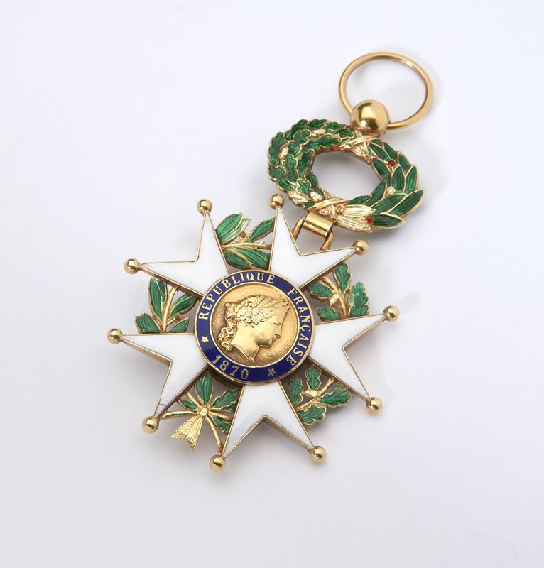 1011: A gold and enamel French Legion of Honor medallio
