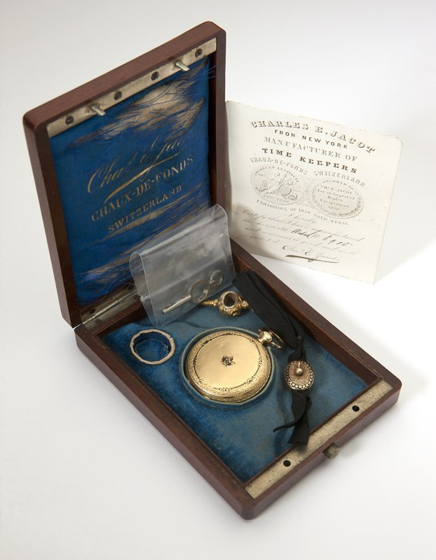 1014: A gold hunters case pocket watch, Charles E. Jaco - 4