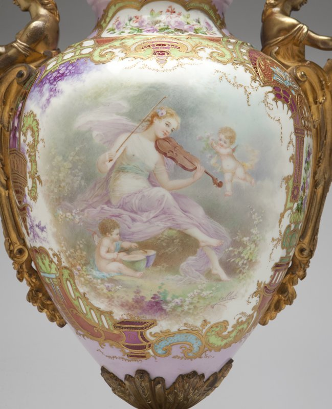 1017: A large gilt bronze-mounted ''Sevres'' style pink - 4