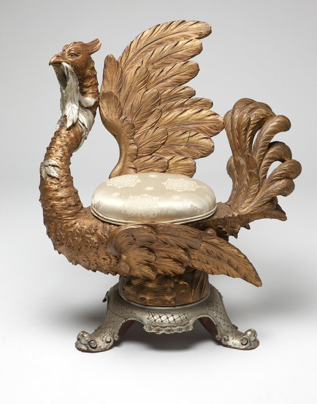 1022: An Italian Rococo style silvered and giltwood gro