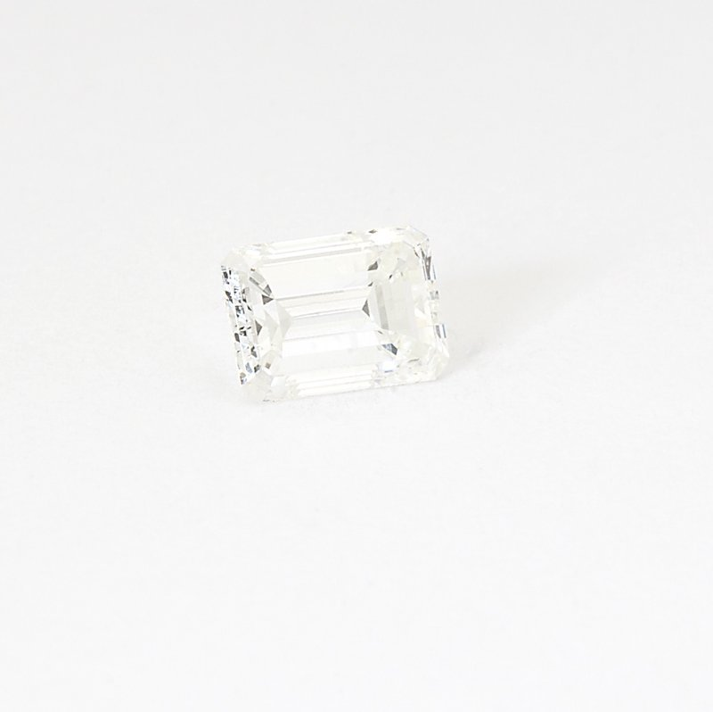 1202: An unmounted 0.91 ct emerald-cut diamond with EGL