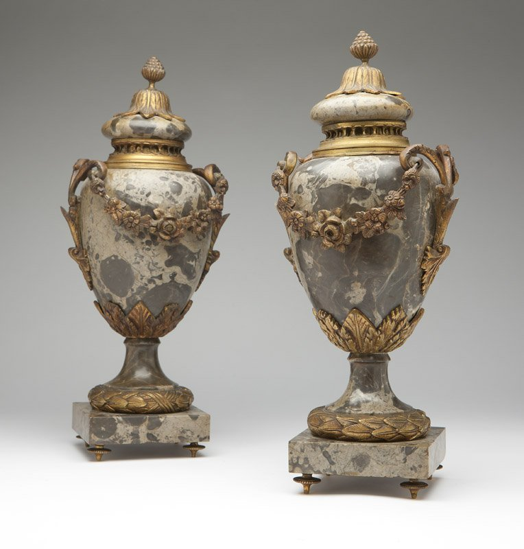 1016: A pair of ormolu-mounted hardstone urns