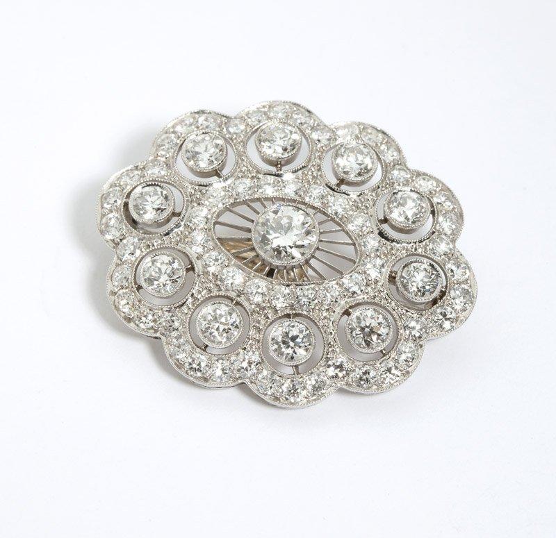 22: An Edwardian diamond brooch