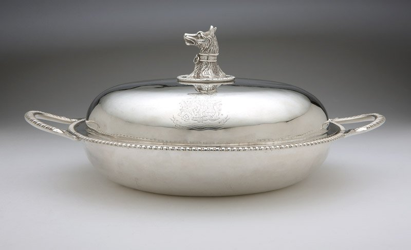 A George III sterling silver serving dish