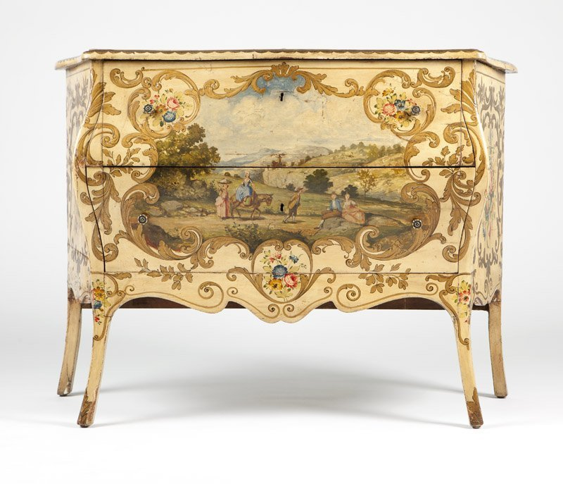 An Italian Rococo style painted bedroom set - 5