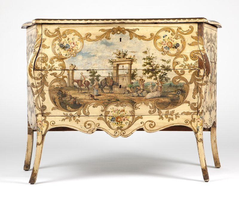 An Italian Rococo style painted bedroom set - 6