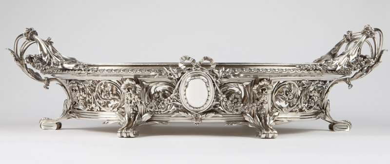 A monumental Christofle silver-plated jardiniere - 5