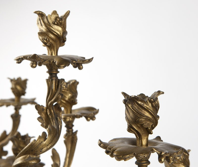 A pair of Louis XV gilt bronze candelabra - 3