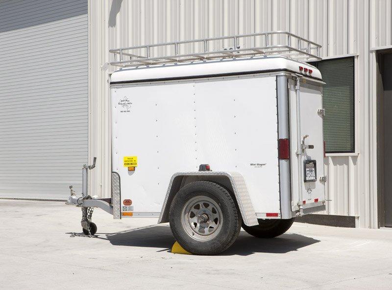 2001 Wells Cargo Enclosed cargo trailer