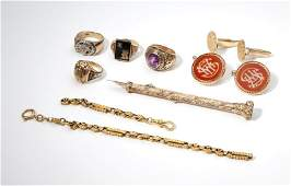 A group of varied gold items