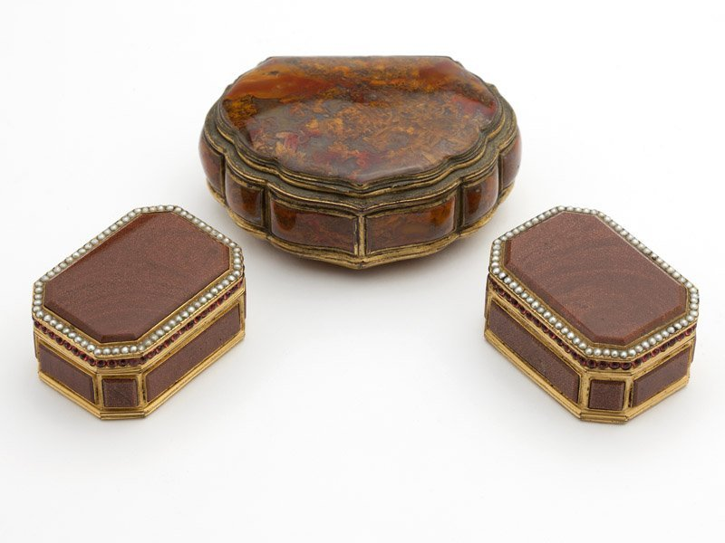 A group of hardstone trinket boxes