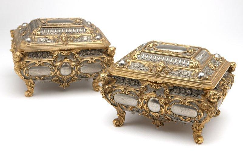 A pair of Continental jewel caskets