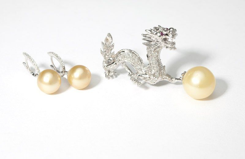A collection of South Sea cultured pearl jewelry