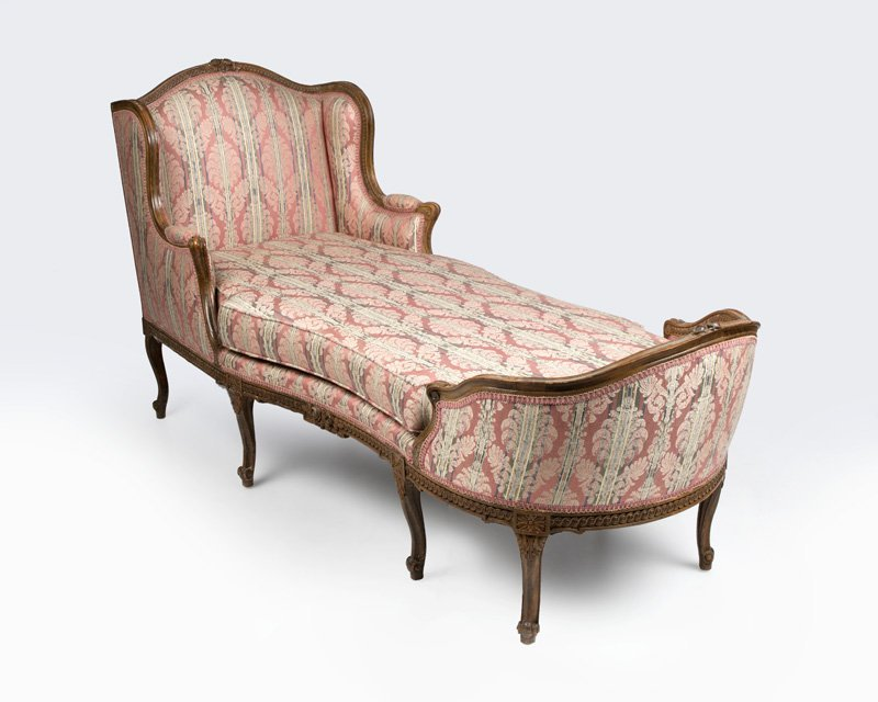 A louis xv style carved wood chaise lounge for Carved chaise lounge