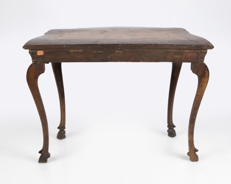 A Continental wood console table - 4