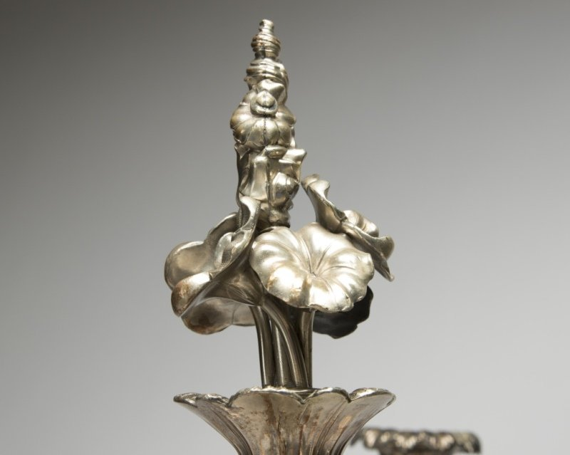 A silver-plated six-branch candelabrum - 3