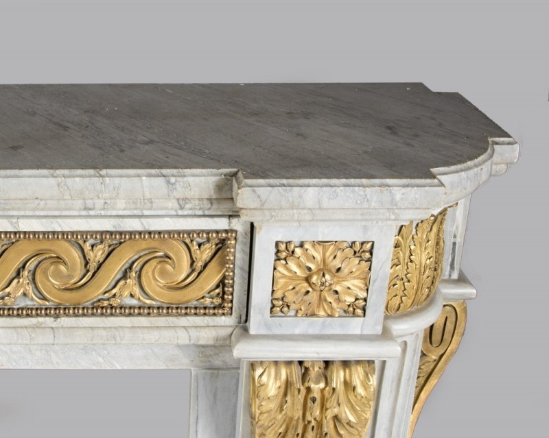 A gilt bronze-mounted marble fireplace surround - 3
