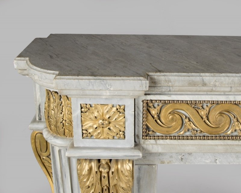 A gilt bronze-mounted marble fireplace surround - 5
