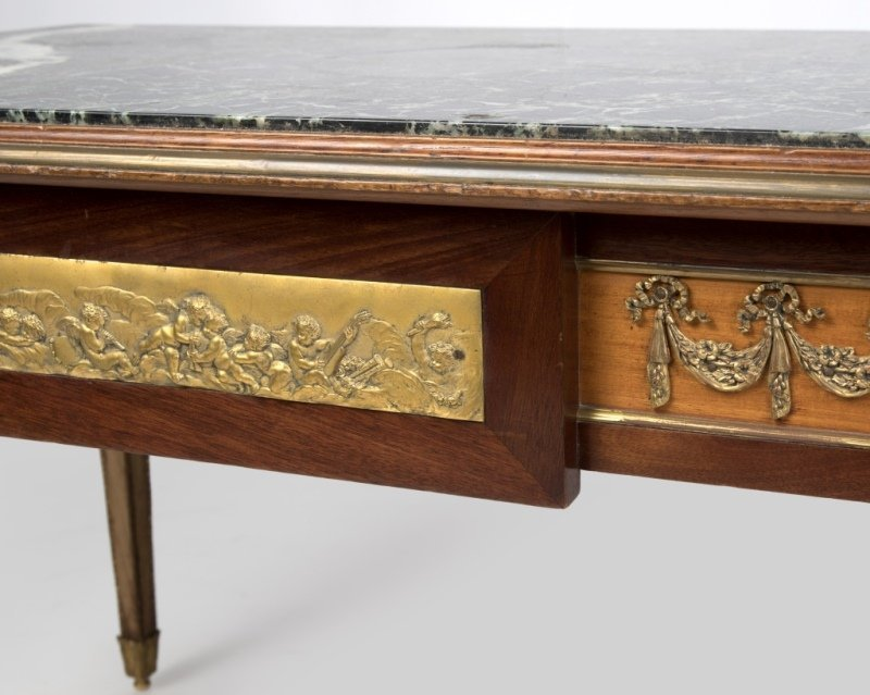 A Louis XVI-style cocktail table - 2