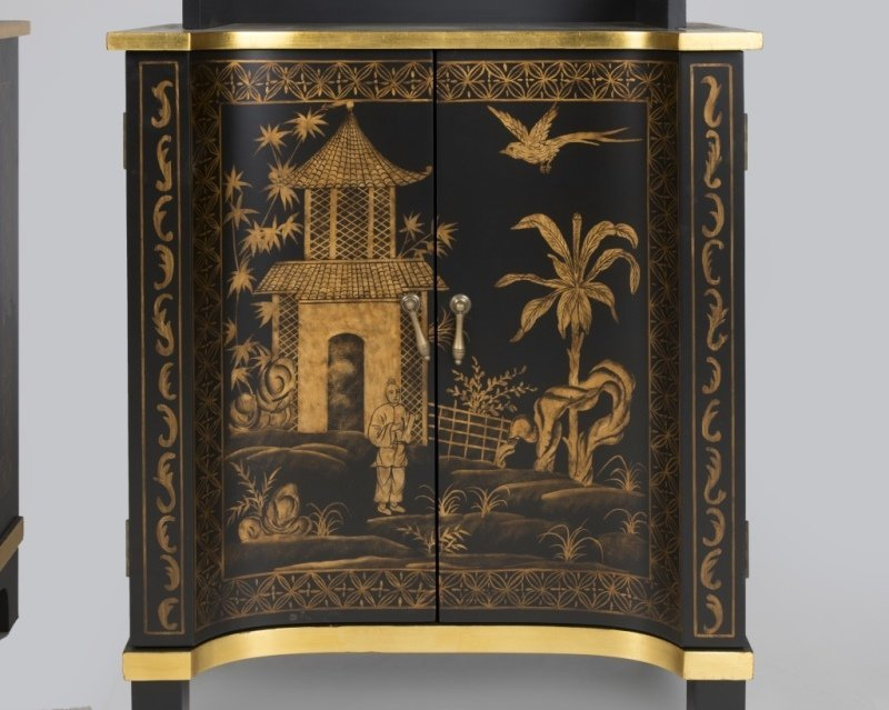 A pair of Chelse House chinoiserie curio shelves - 2