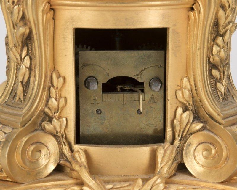 A Neoclassical gilt-bronze annular clock, Bazart - 3