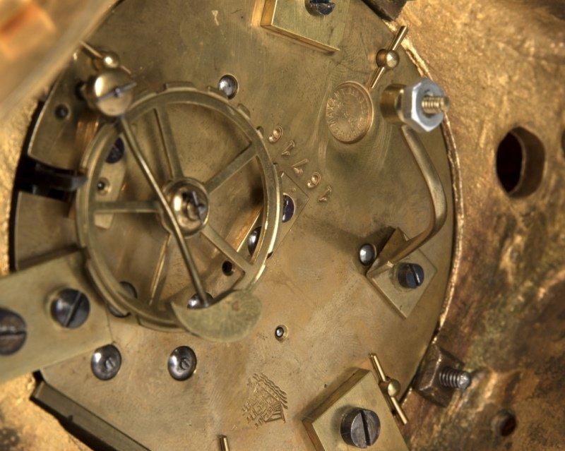 A Neoclassical gilt-bronze annular clock, Bazart - 4