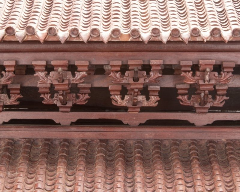 A Chinese carved rosewood temple model - 4