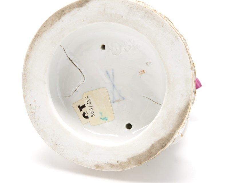 A Meissen porcelain figural group - 5