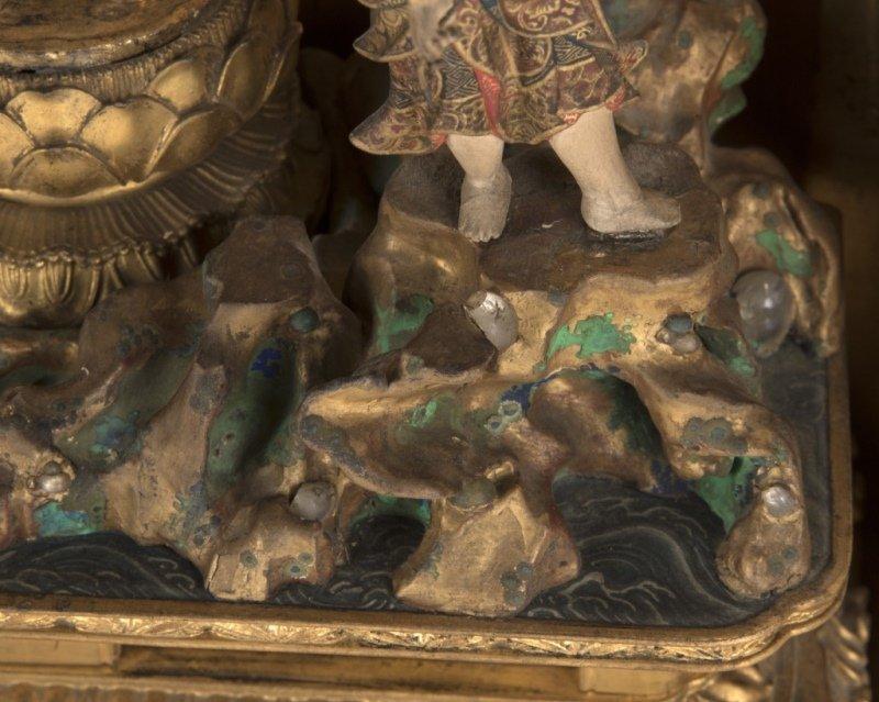 A Japanese zushi / lacquer traveling shrine - 3