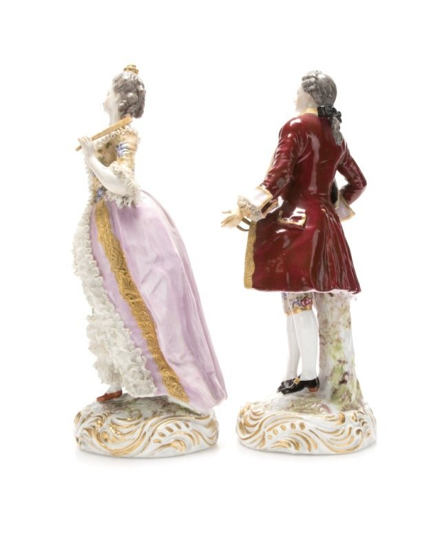 A pair of Meissen-style porcelain figures - 2