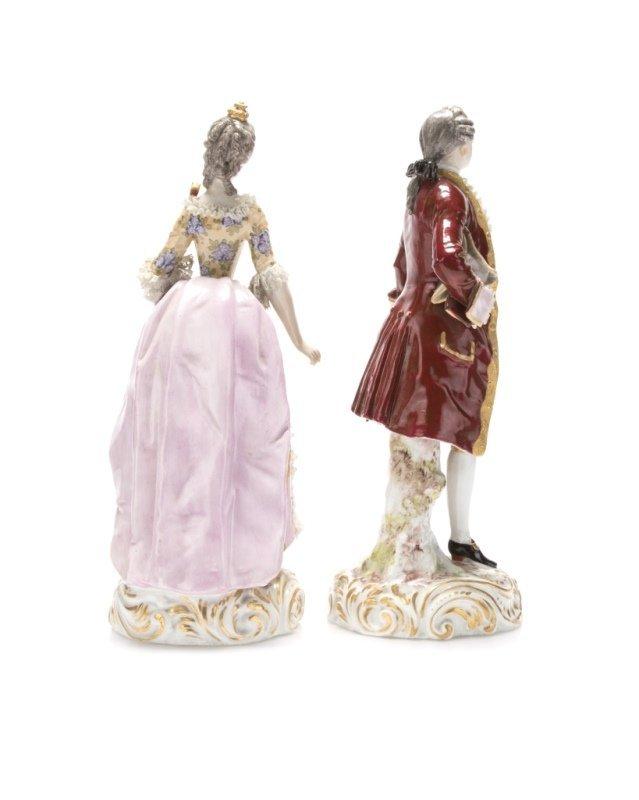 A pair of Meissen-style porcelain figures - 3